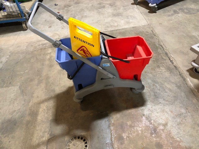 Chariot de ménage | Cleaning trolley | Reinigungswagen
